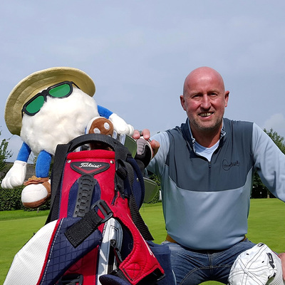 PASSIE4GOLF - ME AND MY HEADCOVER  - BERT VAN DEN HEUVEL - SNEEUWPOPJE